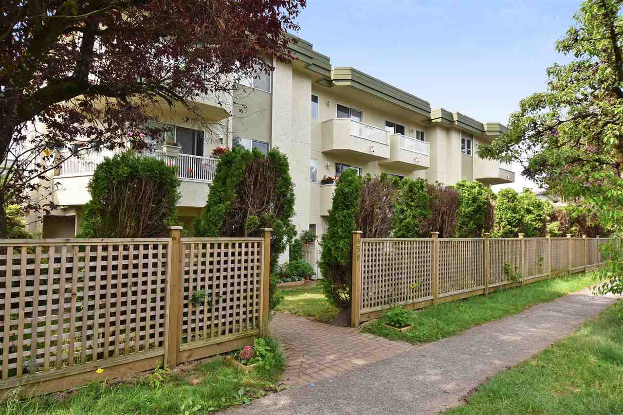 """Main Photo: 207 458 E 43RD Avenue in Vancouver: Fraser VE Condo for sale in """"URANA MEWS"""" (Vancouver East)  : MLS®# R2282019"""