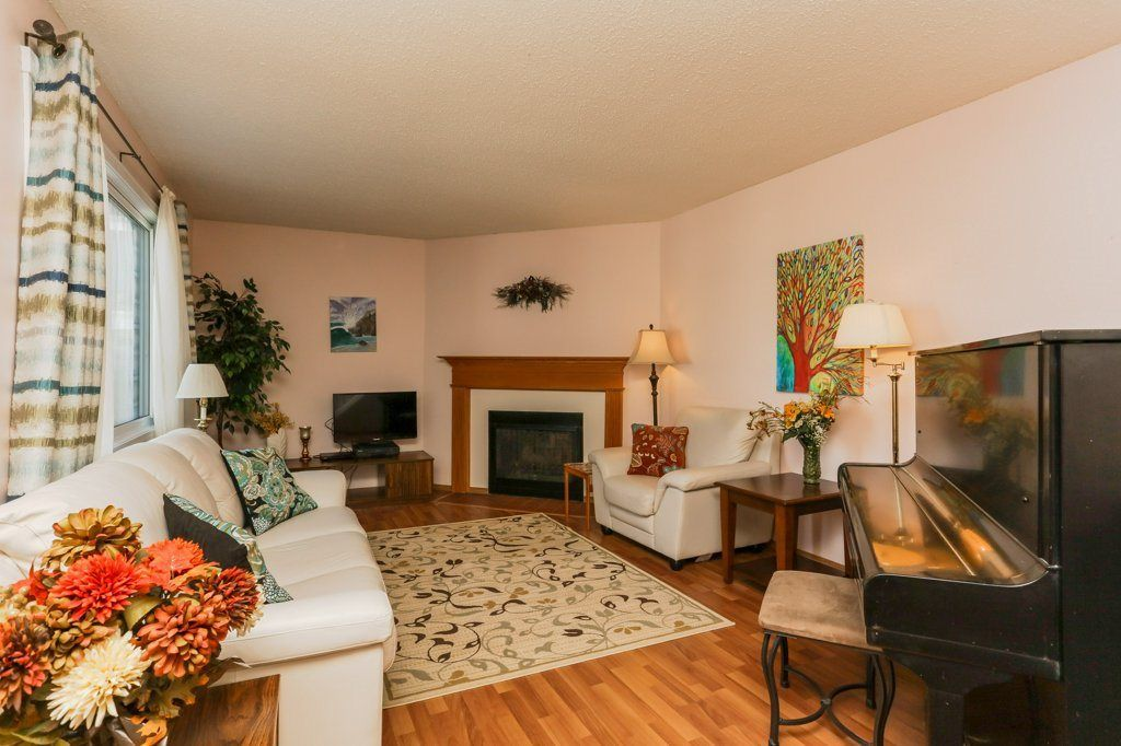 Main Photo: 220 14707 53 Avenue in Edmonton: Zone 14 Townhouse for sale : MLS®# E4129417