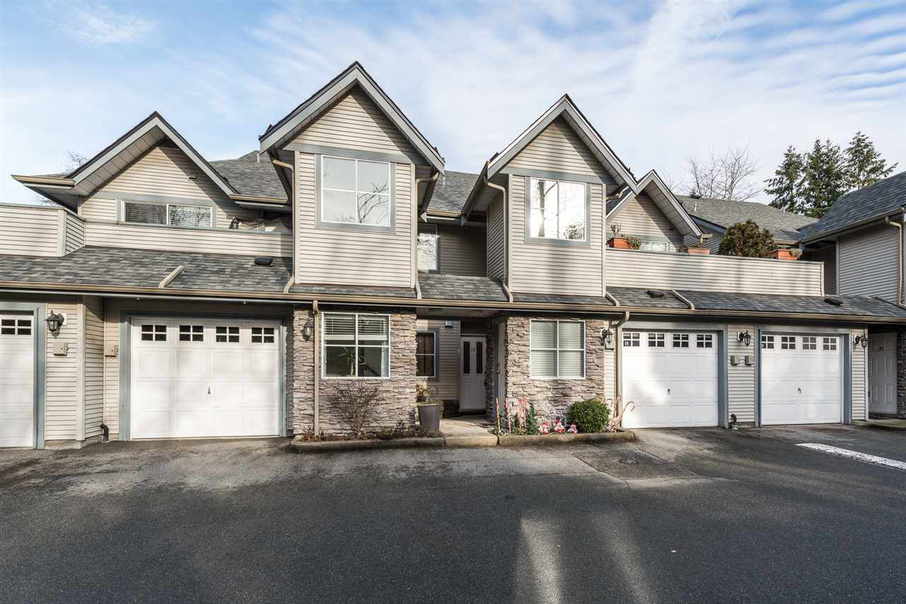 "Main Photo: 18 19034 MCMYN Road in Pitt Meadows: Mid Meadows Townhouse for sale in ""MEADOWVALE"" : MLS®# R2332366"