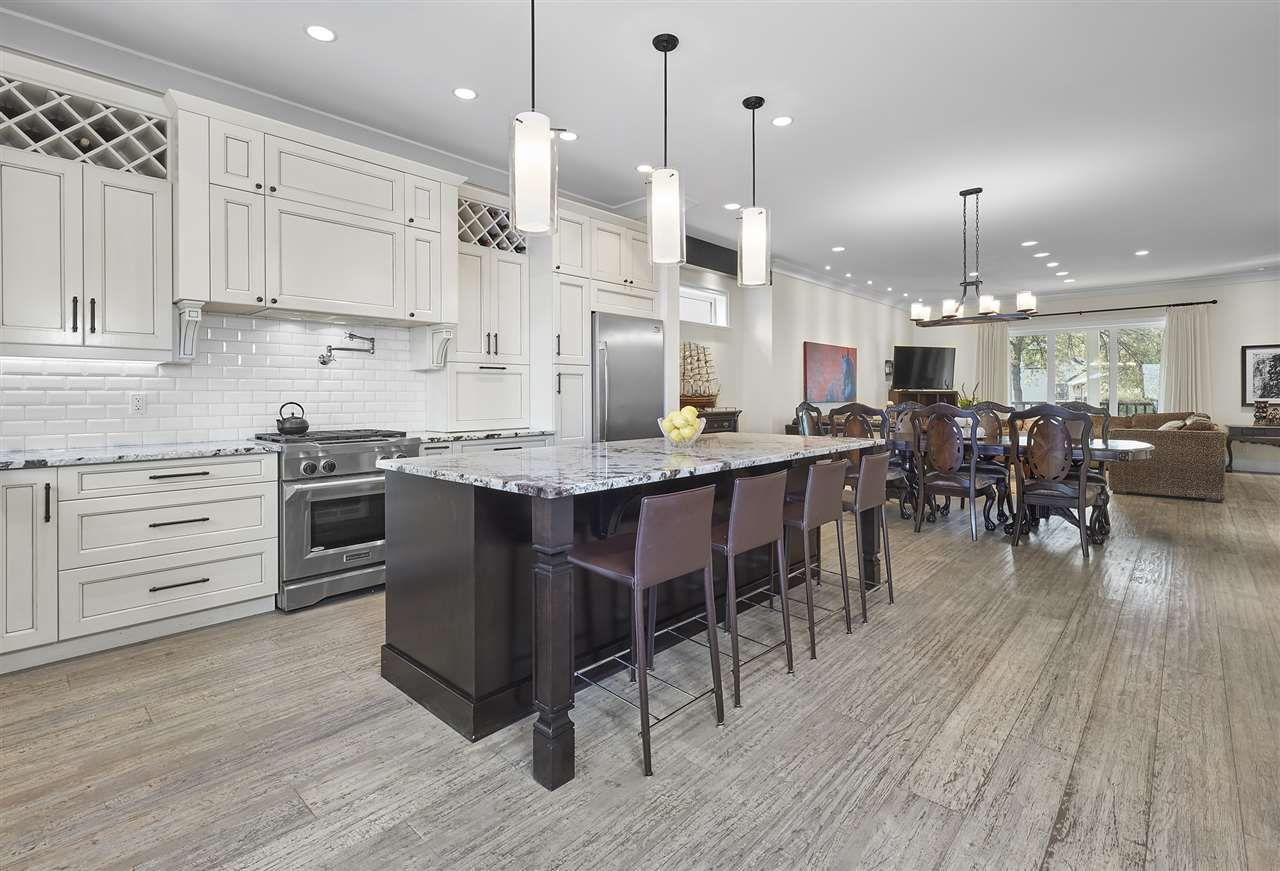 Photo 9: Photos: 10942 63 Avenue in Edmonton: Zone 15 House for sale : MLS®# E4156474