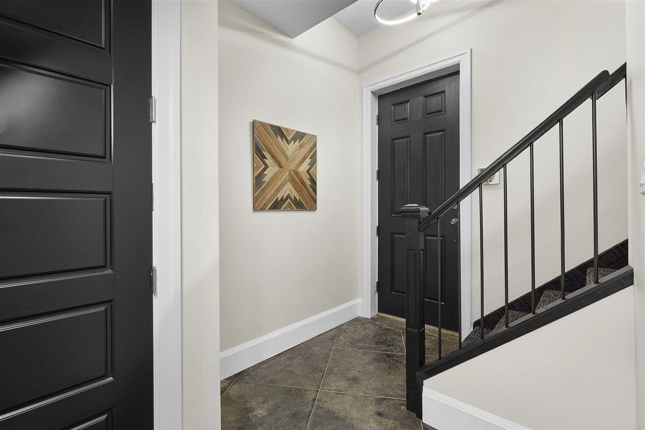 Photo 21: Photos: 10942 63 Avenue in Edmonton: Zone 15 House for sale : MLS®# E4156474
