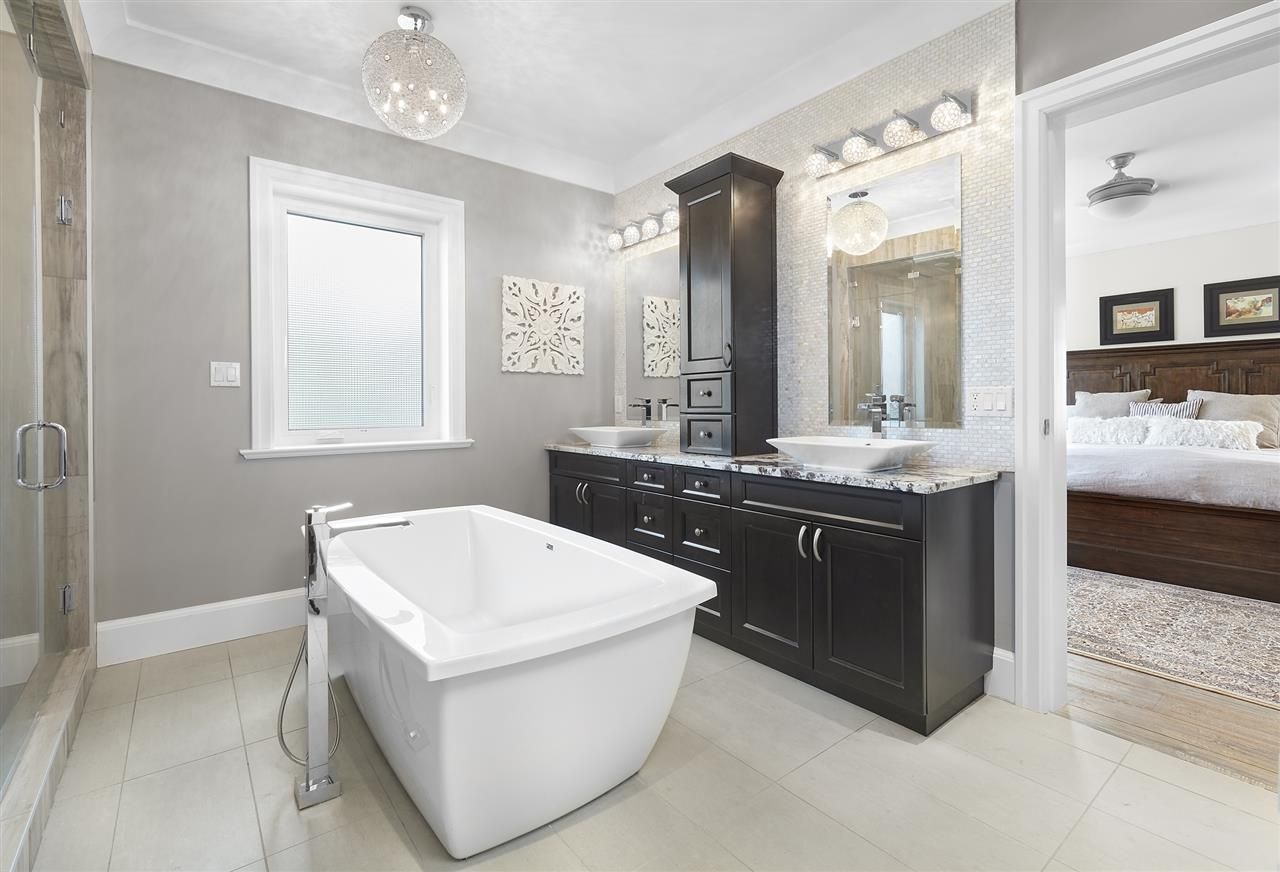 Photo 15: Photos: 10942 63 Avenue in Edmonton: Zone 15 House for sale : MLS®# E4156474