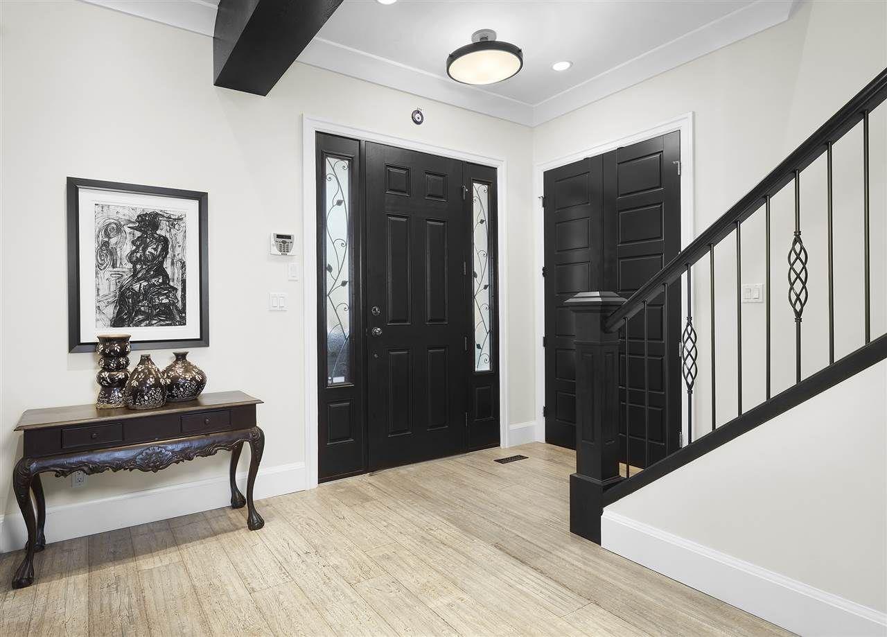 Photo 4: Photos: 10942 63 Avenue in Edmonton: Zone 15 House for sale : MLS®# E4156474
