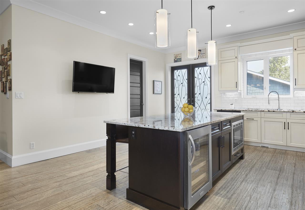 Photo 11: Photos: 10942 63 Avenue in Edmonton: Zone 15 House for sale : MLS®# E4156474