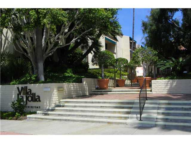 Main Photo: LA JOLLA Condo for sale : 1 bedrooms : 6455 La Jolla #342