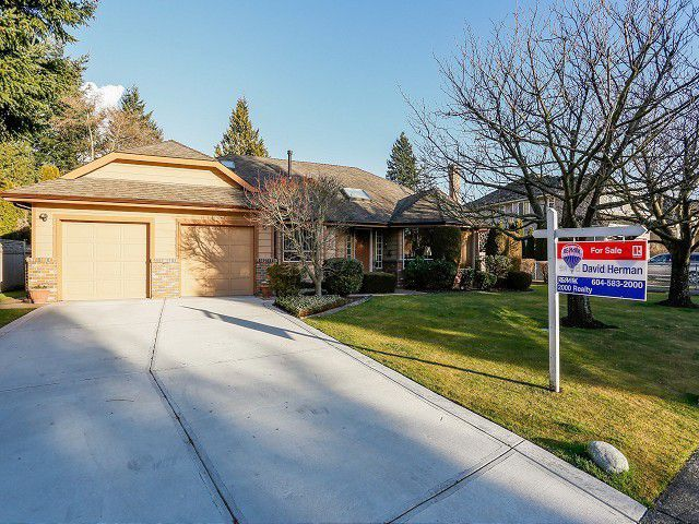 Main Photo: 5916 123 Street in Surrey: Panorama Ridge House for sale : MLS®# F1409816