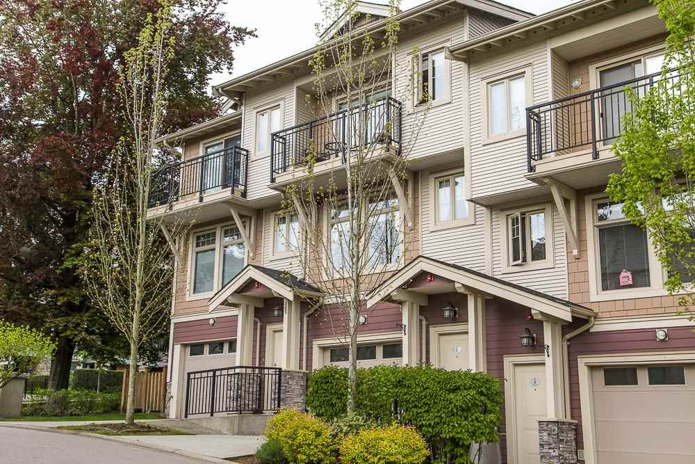 """Main Photo: 2 245 FRANCIS Way in New Westminster: Fraserview NW Townhouse for sale in """"GLENBOOK TOWNHOUSE"""" : MLS®# R2060767"""