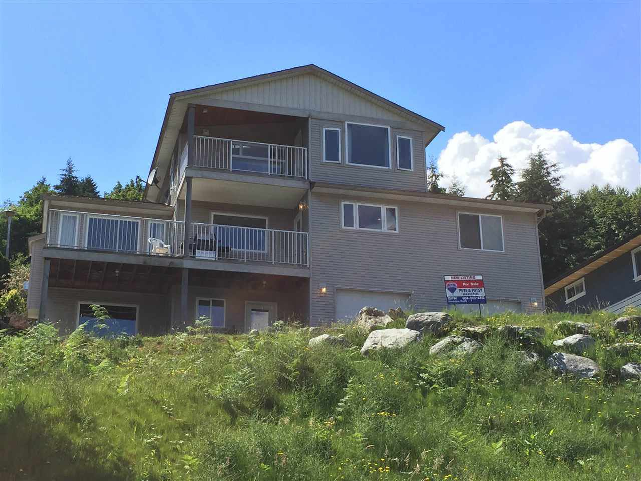 Photo 2: Photos: 813 BAYVIEW HEIGHTS Road in Gibsons: Gibsons & Area House for sale (Sunshine Coast)  : MLS®# R2081032