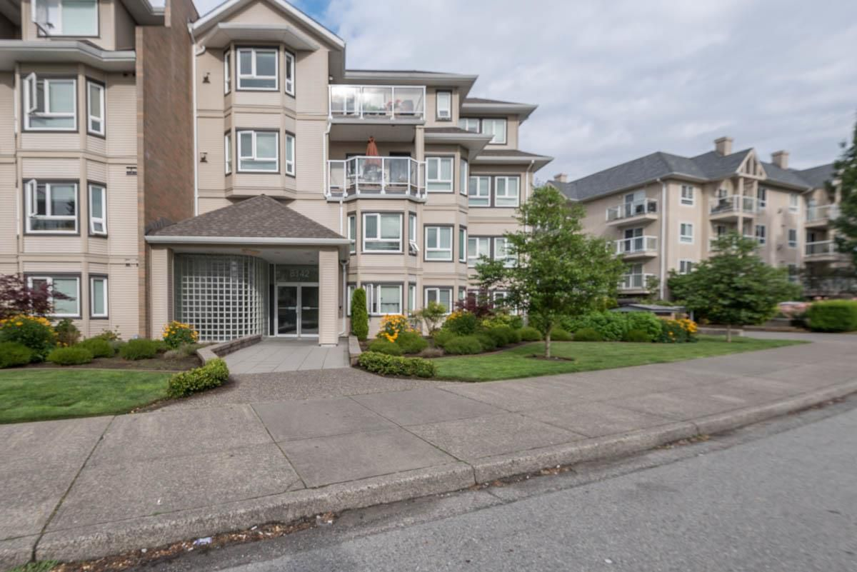 Main Photo: 319 8142 120A Street in Surrey: Queen Mary Park Surrey Condo for sale : MLS®# R2088663