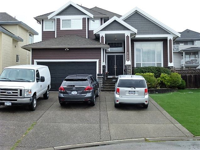 "Main Photo: 7175 150A Street in Surrey: East Newton House for sale in ""CHIMNEY GATES"" : MLS®# R2097144"