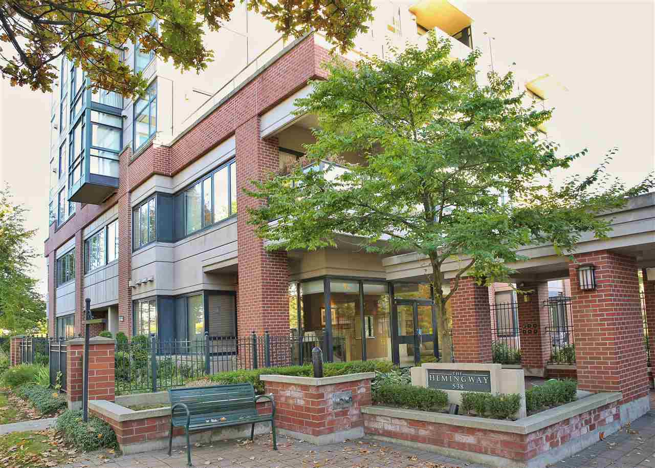 """Main Photo: 402 538 W 45TH Avenue in Vancouver: Oakridge VW Condo for sale in """"THE HEMMINGWAY"""" (Vancouver West)  : MLS®# R2114886"""