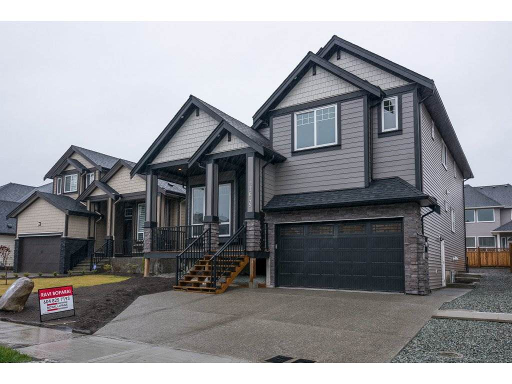 Main Photo: 27645 RAILCAR Crescent in Abbotsford: Aberdeen House for sale : MLS®# R2125726