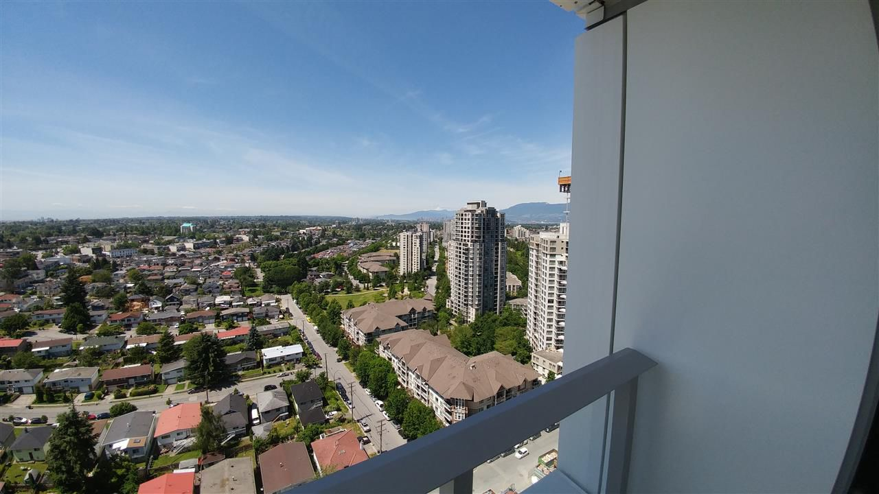 Main Photo: 2509 5515 BOUNDARY Road in Vancouver: Collingwood VE Condo for sale (Vancouver East)  : MLS®# R2175081