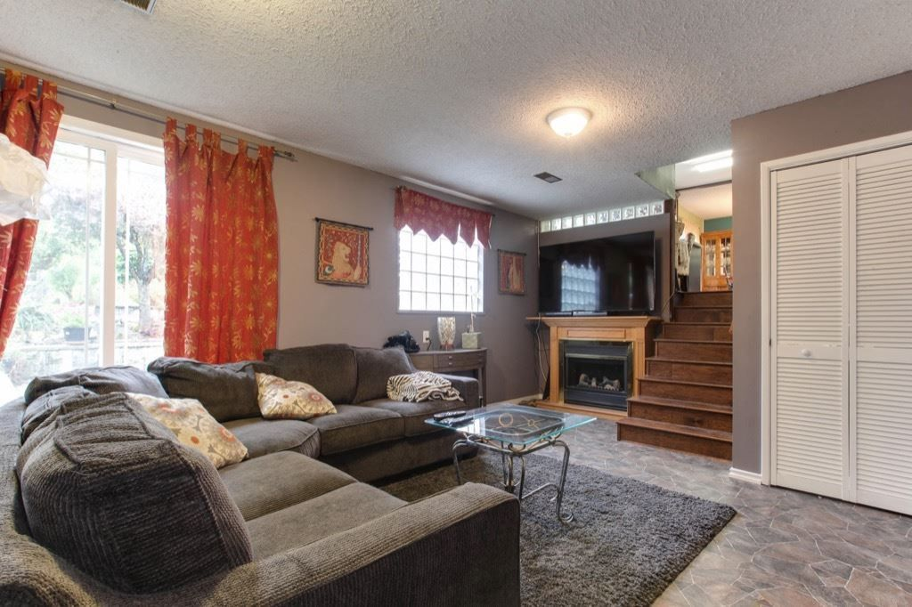 """Photo 12: Photos: 8730 MCLEAN Street in Mission: Mission-West House for sale in """"Sliverdale & Slivermere"""" : MLS®# R2212425"""