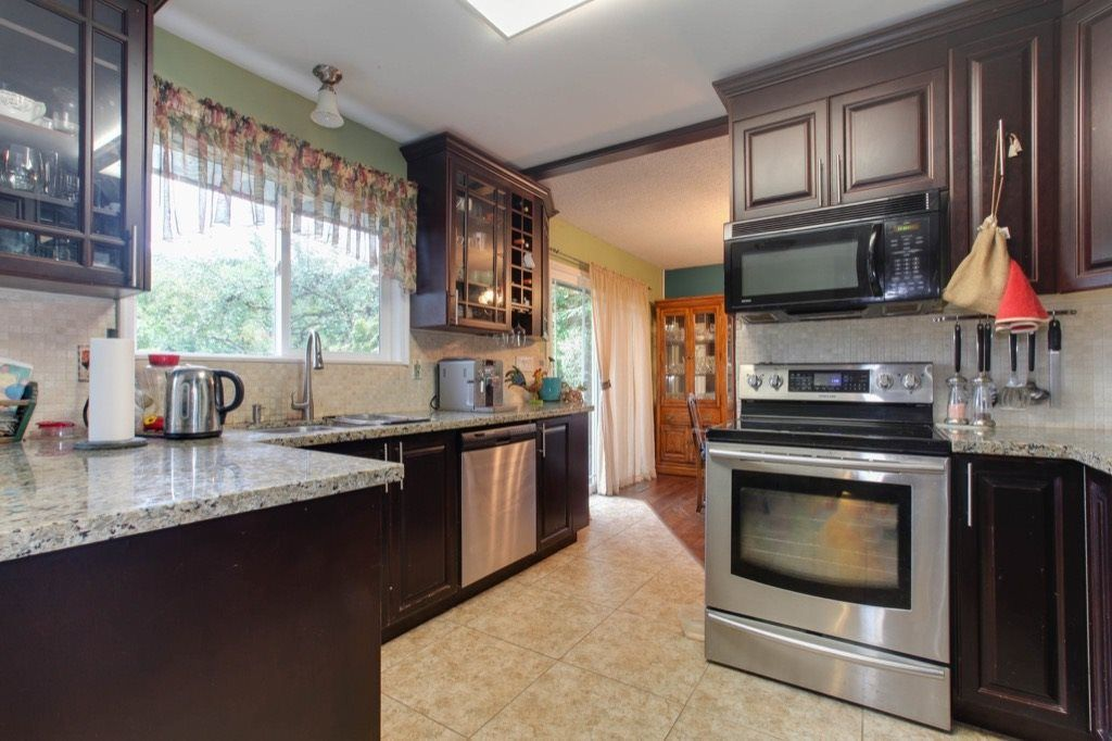 """Photo 6: Photos: 8730 MCLEAN Street in Mission: Mission-West House for sale in """"Sliverdale & Slivermere"""" : MLS®# R2212425"""