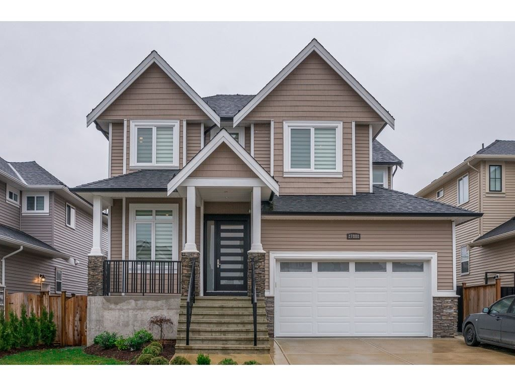 Main Photo: 27888 LEDUNNE Avenue in Abbotsford: Aberdeen House for sale : MLS®# R2254464