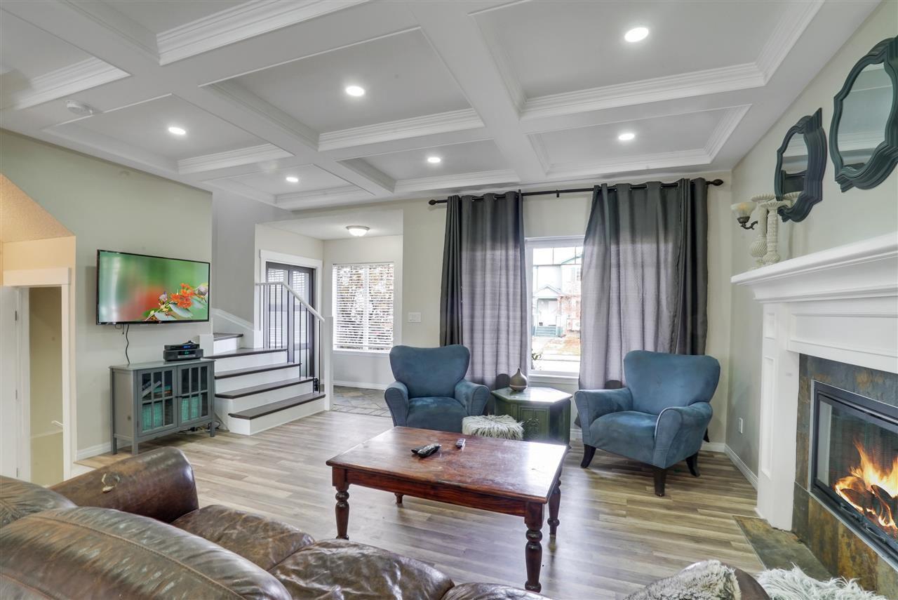 Main Photo: 15012 136 Street in Edmonton: Zone 27 House for sale : MLS®# E4133166