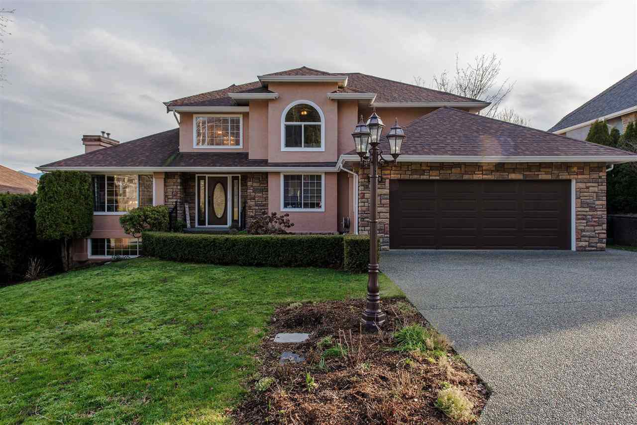 Main Photo: 35870 GRAYSTONE Drive in Abbotsford: Abbotsford East House for sale : MLS®# R2338609