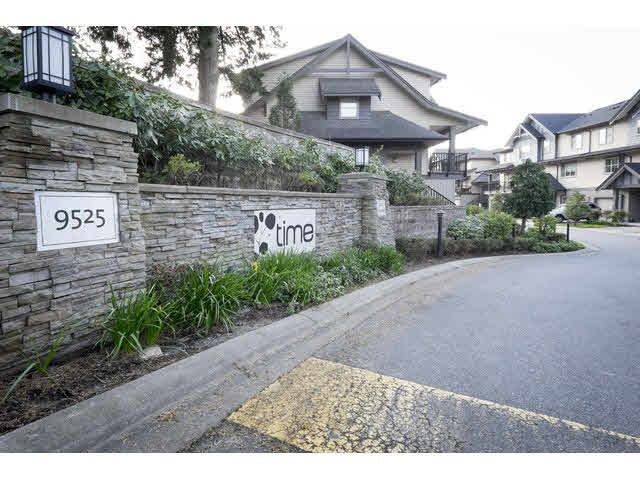 "Main Photo: 5 9525 204 Street in Langley: Walnut Grove Townhouse for sale in ""TIME"" : MLS®# R2351519"