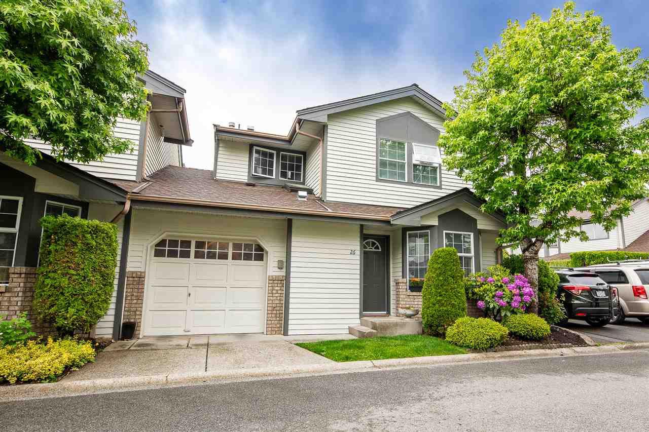 "Main Photo: 26 11580 BURNETT Street in Maple Ridge: East Central Townhouse for sale in ""Cedar Estates"" : MLS®# R2372410"