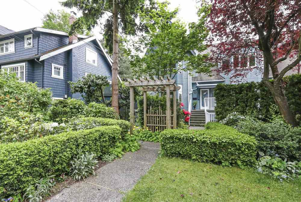 Main Photo: 2626 W 2ND Avenue in Vancouver: Kitsilano House 1/2 Duplex for sale (Vancouver West)  : MLS®# R2377448