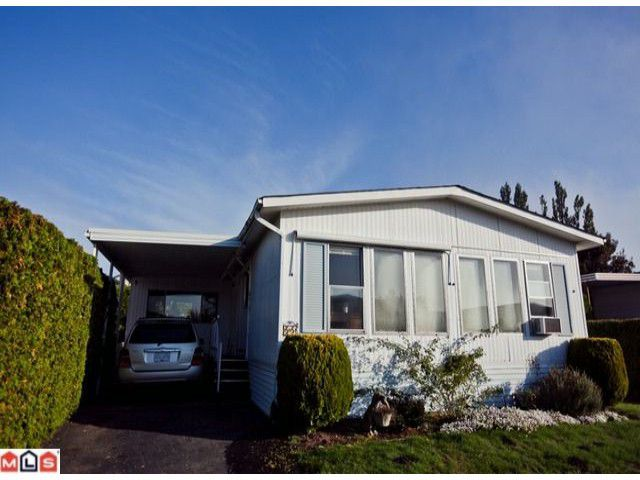 "Main Photo: 55 2303 CRANLEY Drive in White Rock: King George Corridor Manufactured Home for sale in ""SUNNYSIDE ESTATES"" (South Surrey White Rock)  : MLS®# F1125566"