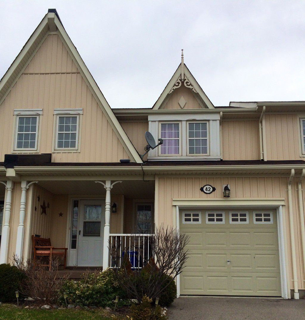 Main Photo: 42 Barchester Crest in Whitby: Brooklin House (2-Storey) for sale : MLS®# E2889332