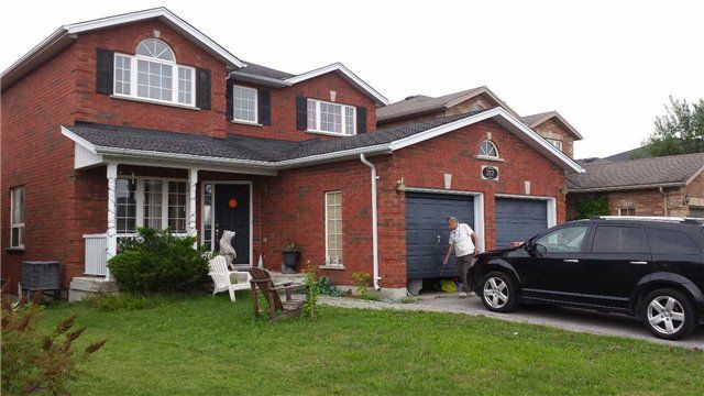 Main Photo: 217 Pringle Drive in Barrie: Edgehill Drive House (2-Storey) for sale : MLS®# X3300412