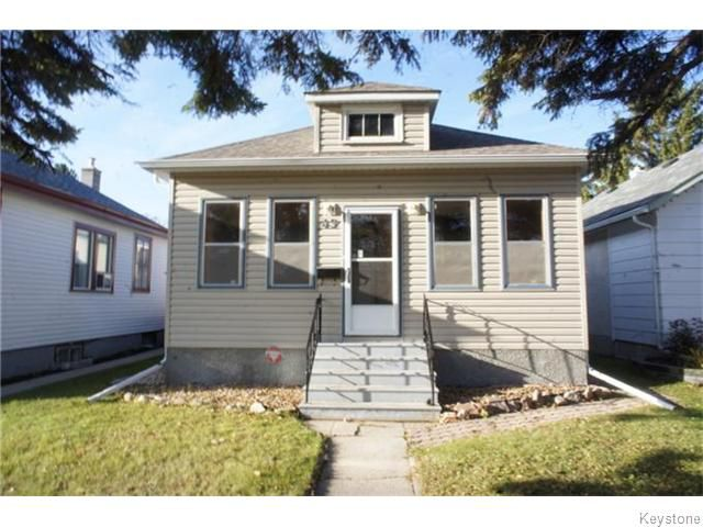 Main Photo: 49 Lloyd Street in WINNIPEG: St Boniface Residential for sale (South East Winnipeg)  : MLS®# 1529078