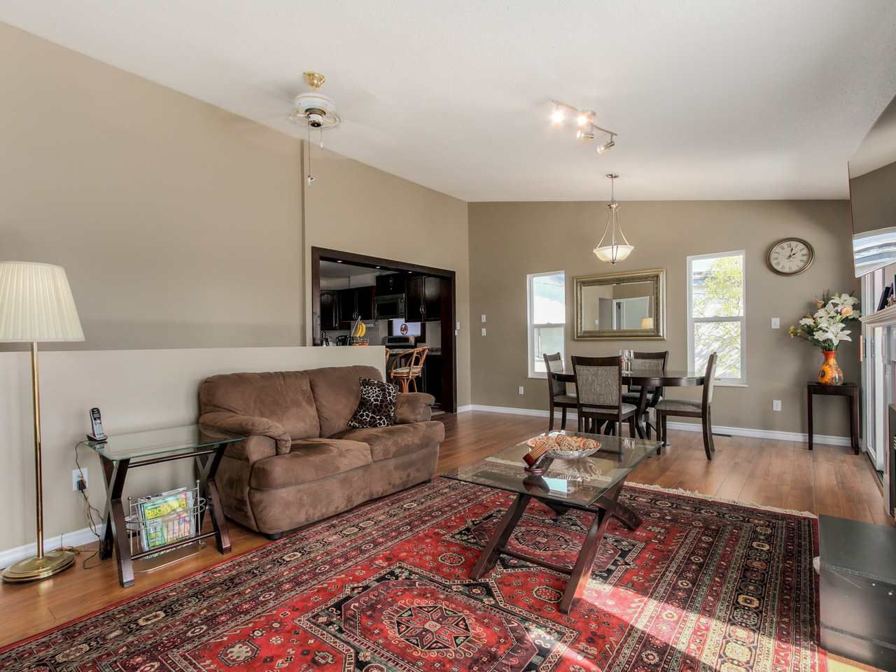 Photo 5: Photos: 449 E 5TH Street in North Vancouver: Lower Lonsdale House for sale : MLS®# R2056647