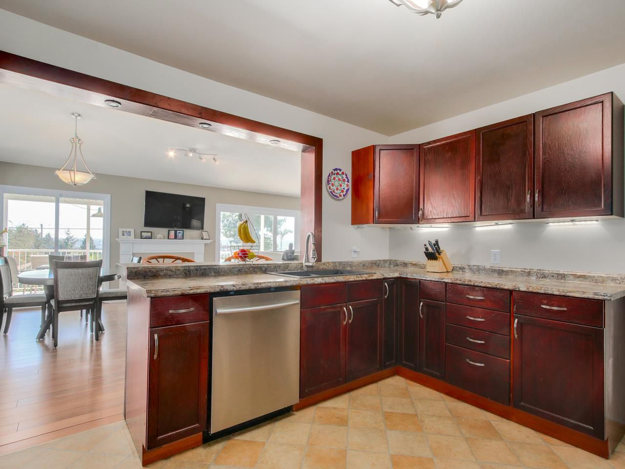 Photo 10: Photos: 449 E 5TH Street in North Vancouver: Lower Lonsdale House for sale : MLS®# R2056647