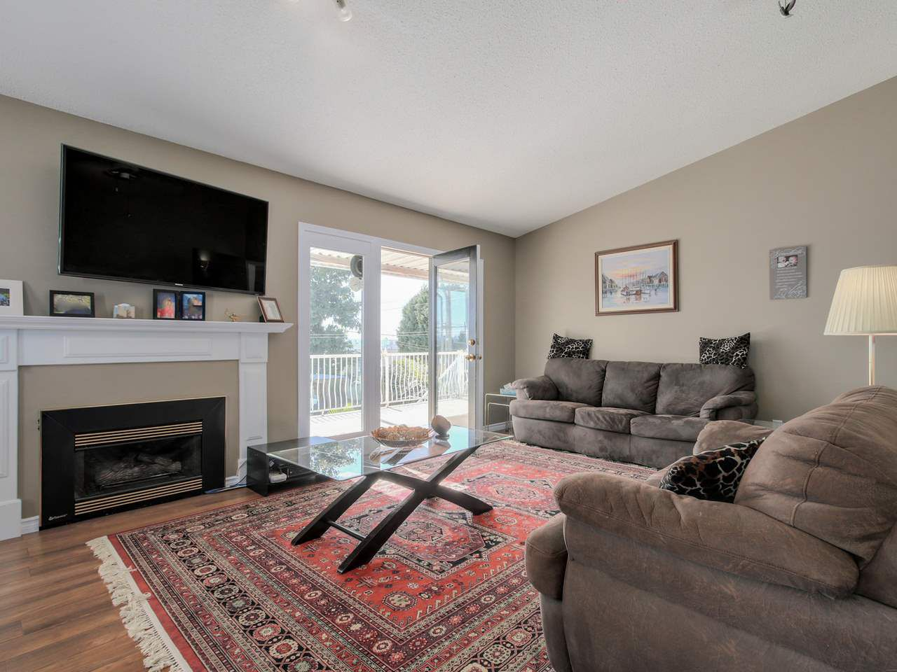Photo 4: Photos: 449 E 5TH Street in North Vancouver: Lower Lonsdale House for sale : MLS®# R2056647
