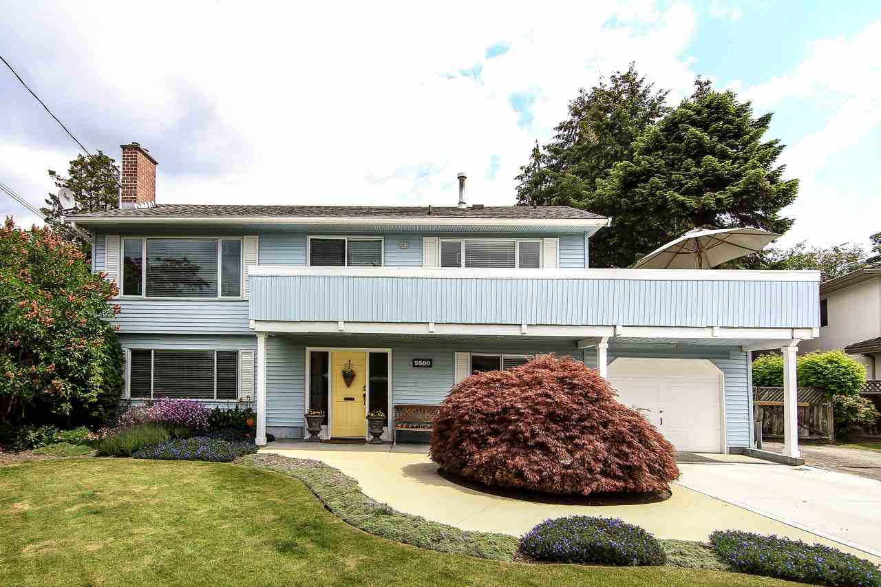 Main Photo: 9580 PINEWELL Crescent in Richmond: Saunders House for sale : MLS®# R2072234