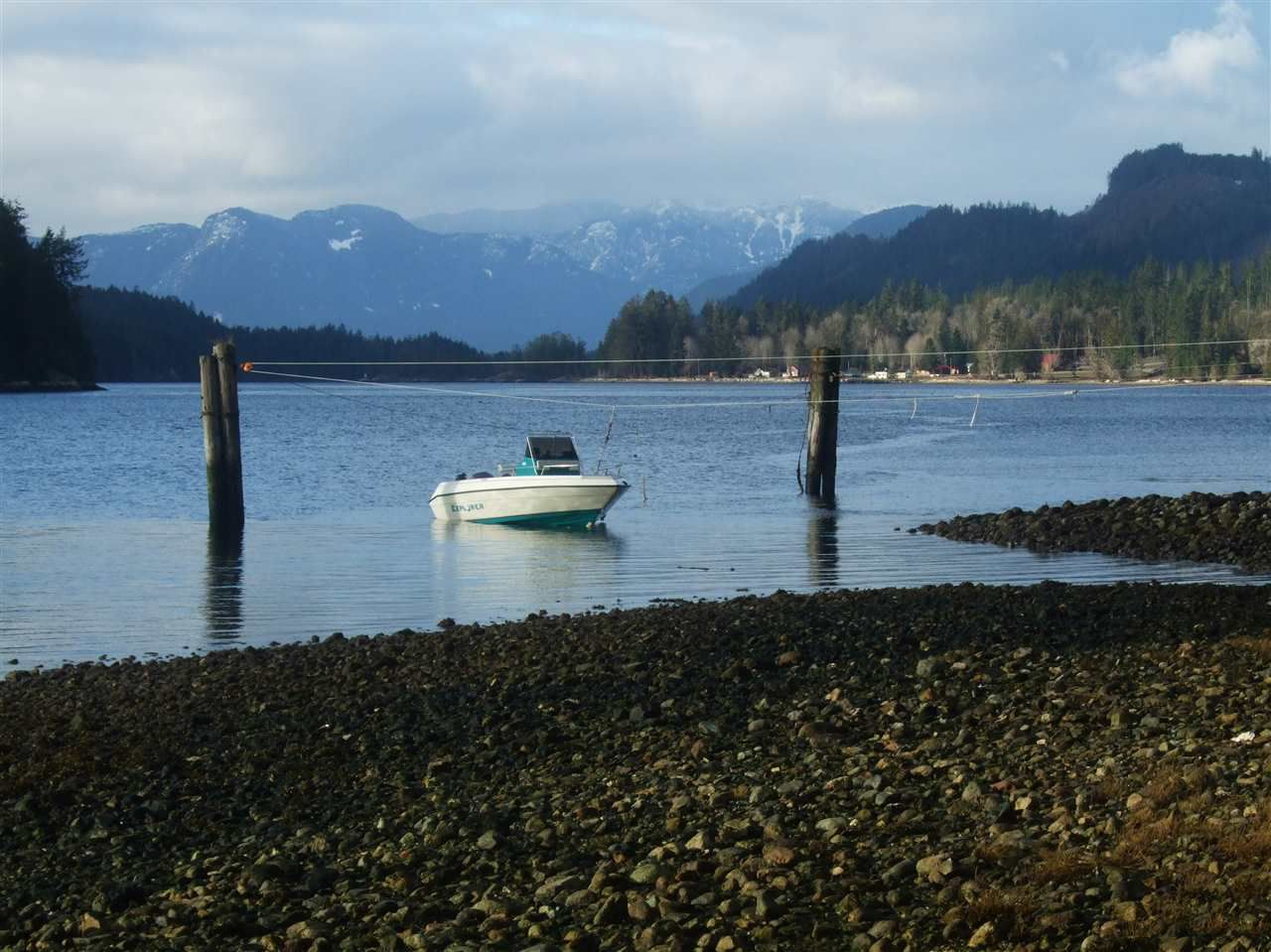 Photo 7: Photos: BLOCK D JAKES Landing in Egmont: Pender Harbour Egmont House for sale (Sunshine Coast)  : MLS®# R2126068