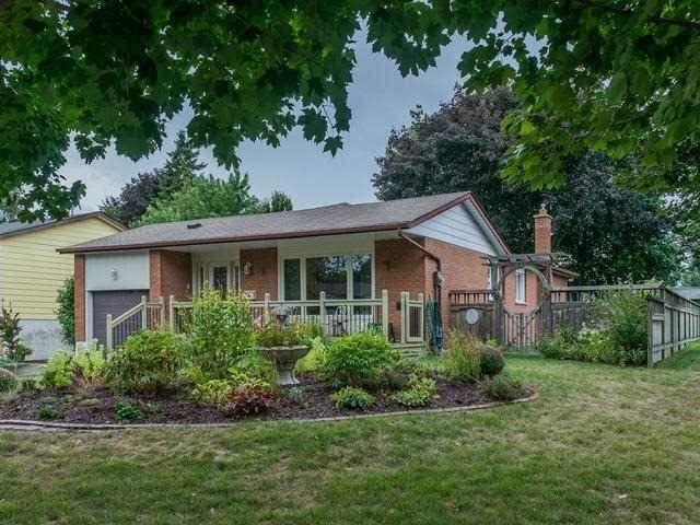 Main Photo: 22 Sir Bodwin Place in Markham: Markham Village House (Bungalow) for lease : MLS®# N3672288