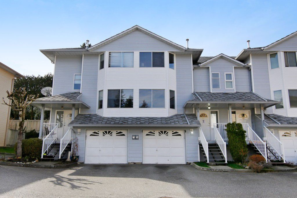 "Main Photo: 44 3087 IMMEL Street in Abbotsford: Central Abbotsford Townhouse for sale in ""Clayburn Estates"" : MLS®# R2147621"