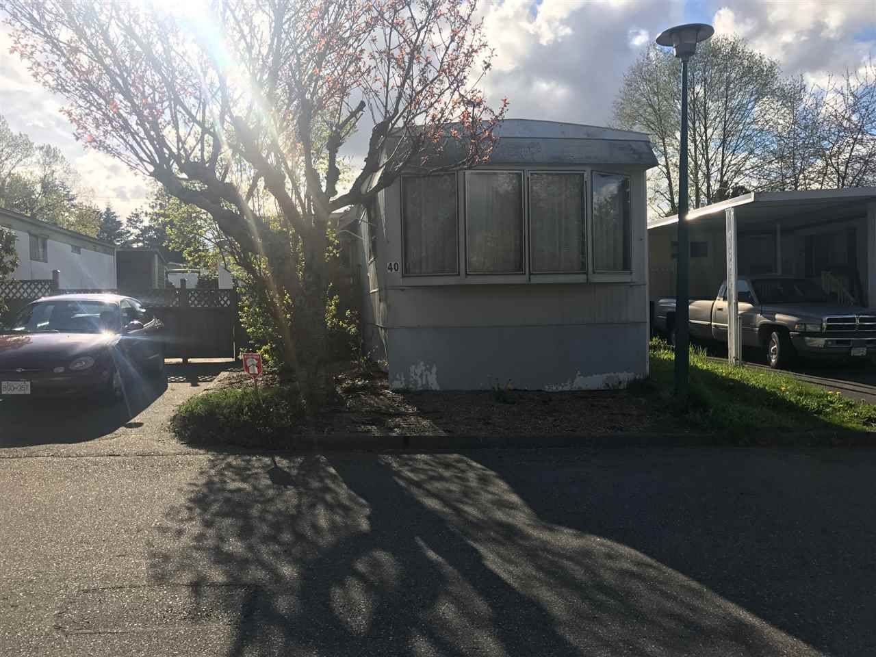 "Main Photo: 40 13650 80 Avenue in Surrey: Bear Creek Green Timbers Manufactured Home for sale in ""LEESIDE"" : MLS®# R2159780"