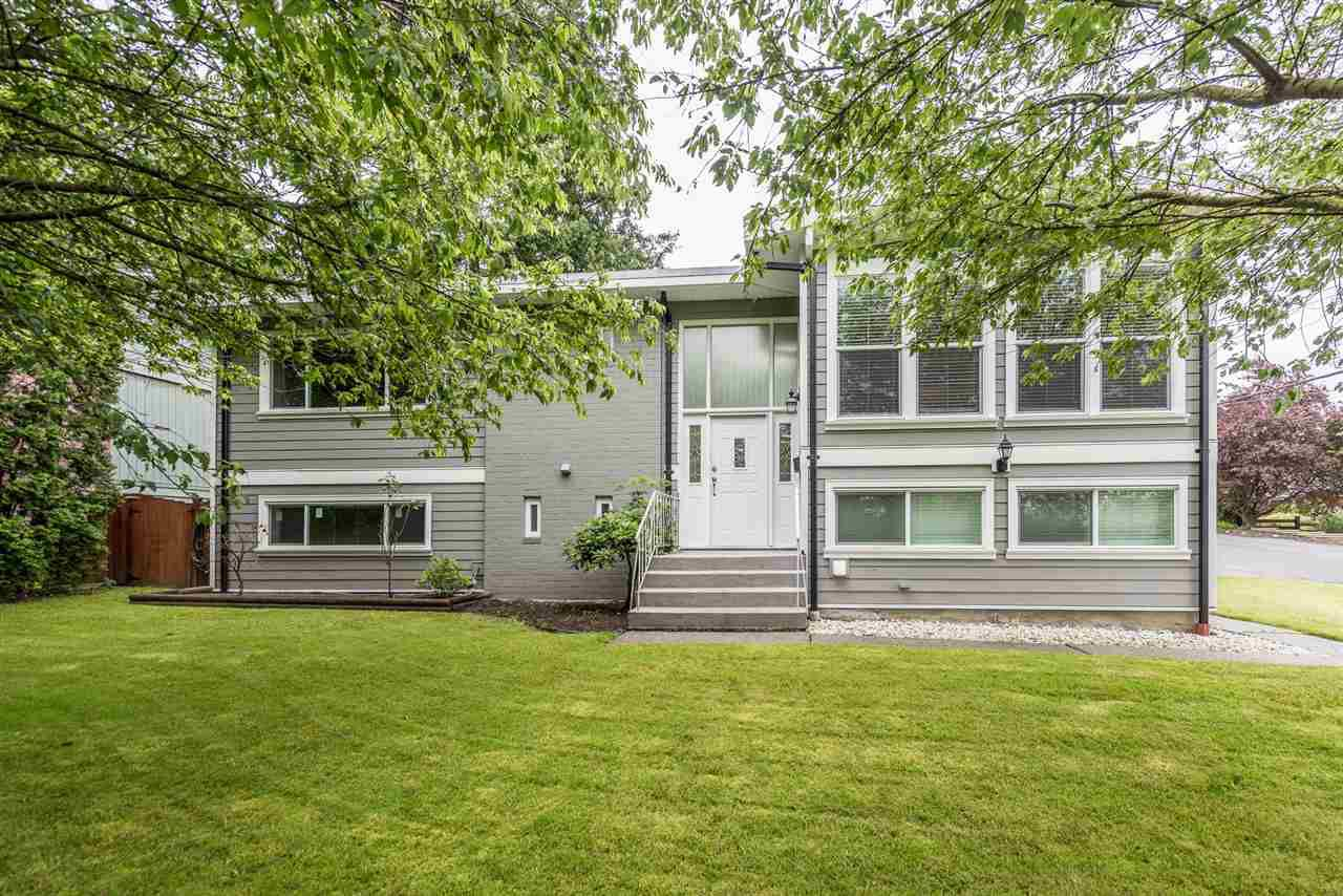 Main Photo: 5914 180 Street in Surrey: Cloverdale BC House for sale (Cloverdale)  : MLS®# R2179581