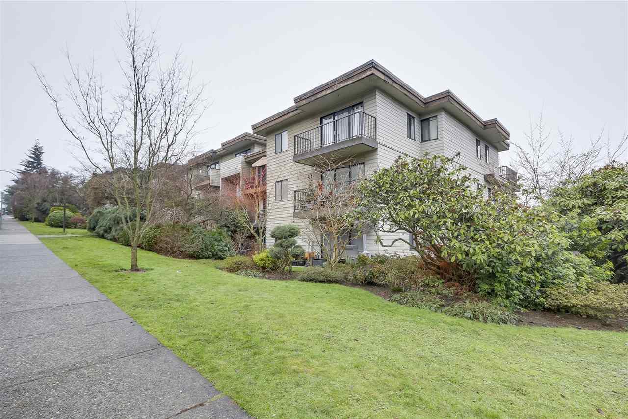 Main Photo: 213 2125 W 2ND Avenue in Vancouver: Kitsilano Condo for sale (Vancouver West)  : MLS®# R2230059
