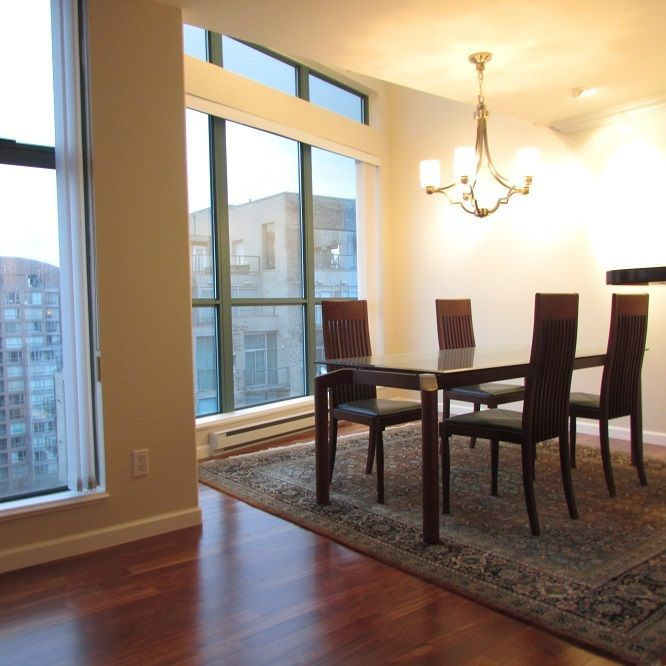 Main Photo: 3604 939 HOMER Street in Vancouver: Yaletown Condo for sale (Vancouver West)  : MLS®# R2237974