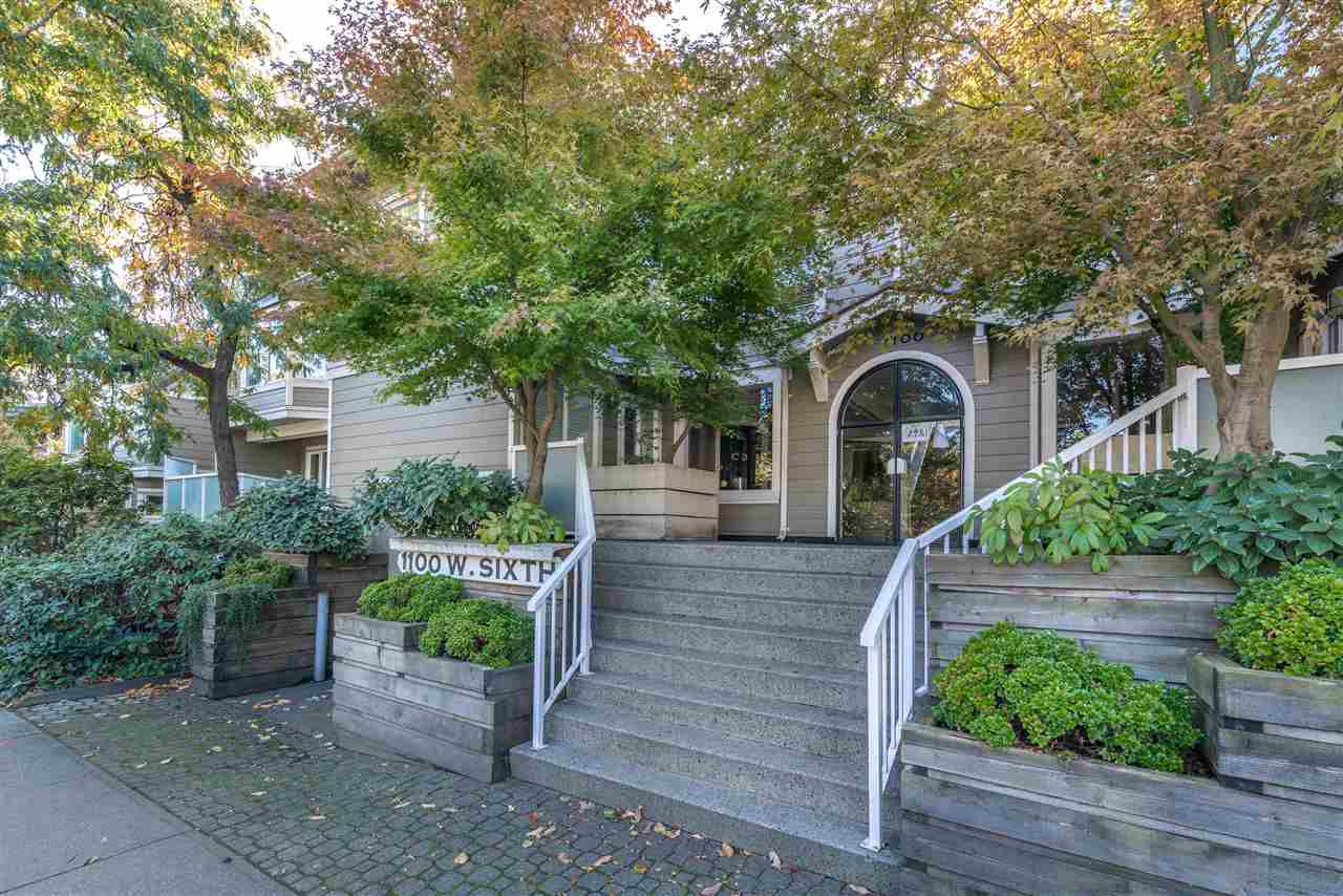 "Main Photo: C2 1100 W 6TH Avenue in Vancouver: Fairview VW Townhouse for sale in ""Fairview Place"" (Vancouver West)  : MLS®# R2314900"