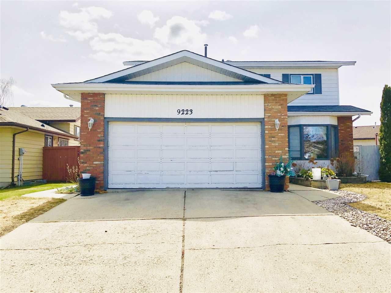 Main Photo: 9223 171 Avenue in Edmonton: Zone 28 House for sale : MLS®# E4155936