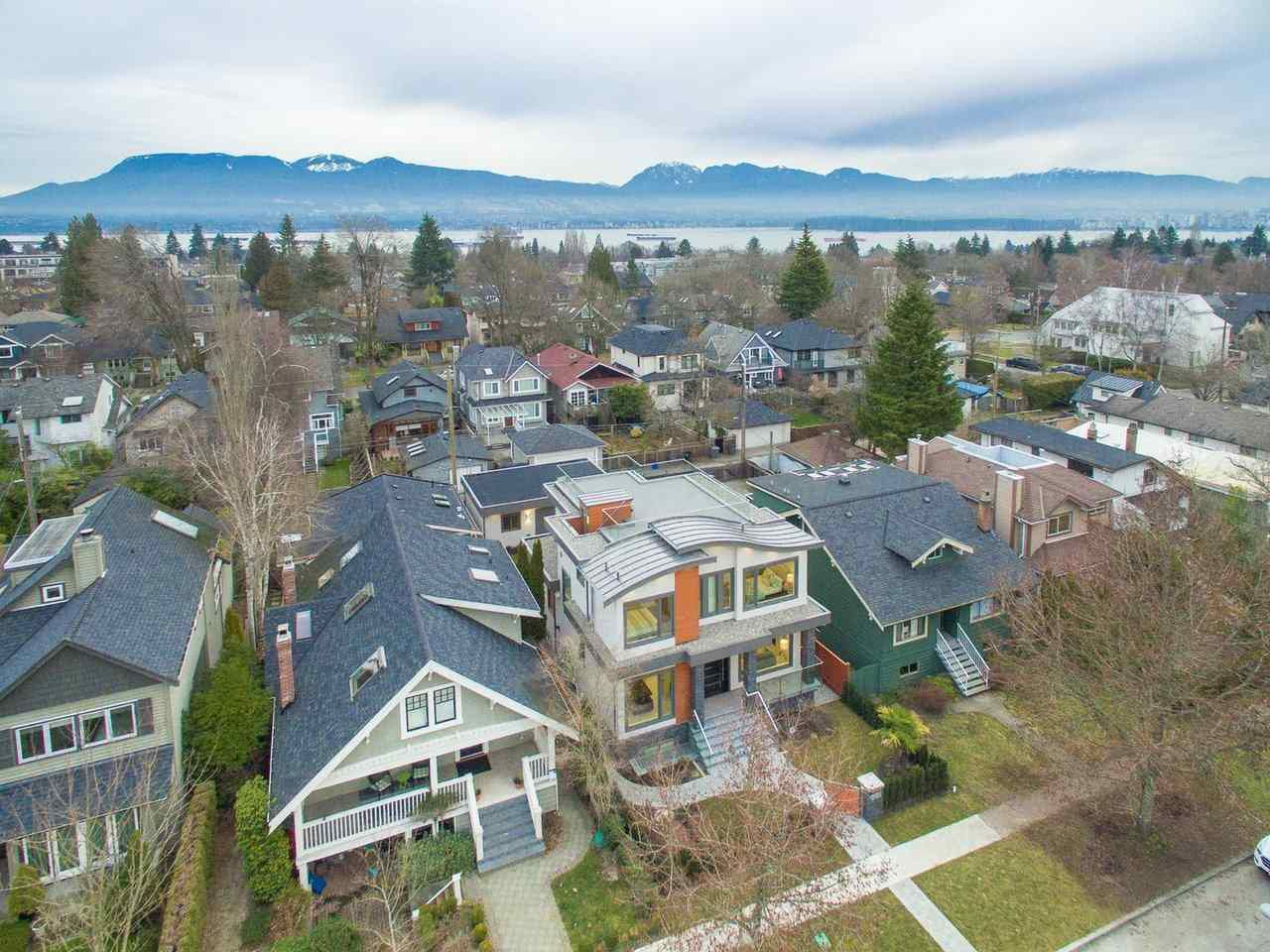 "Main Photo: 4437 W 13TH Avenue in Vancouver: Point Grey House for sale in ""POINT GREY"" (Vancouver West)  : MLS®# R2372827"