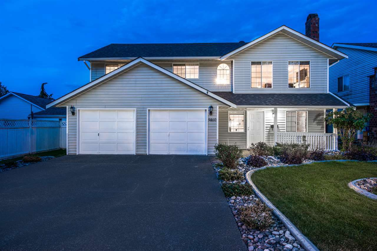 """Main Photo: 9460 152A Street in Surrey: Fleetwood Tynehead House for sale in """"BERKSHIRE PARK"""" : MLS®# R2071461"""
