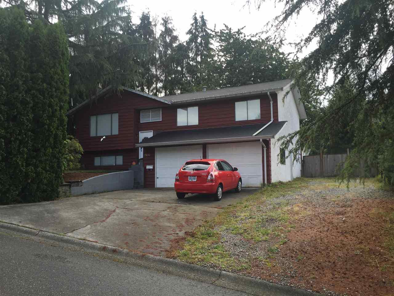 Main Photo: 7896 PLOVER Street in Mission: Mission BC House for sale : MLS®# R2091078