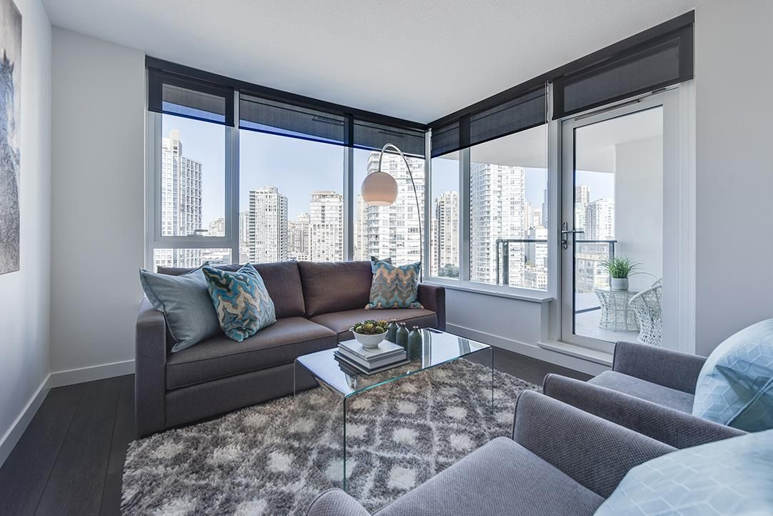 "Main Photo: 1611 68 SMITHE Street in Vancouver: Yaletown Condo for sale in ""ONE PACIFIC"" (Vancouver West)  : MLS®# R2101622"