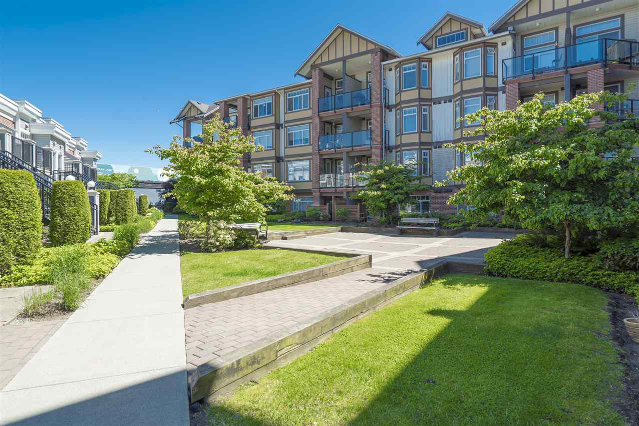 Main Photo: 331 5660 201A Street in Langley: Langley City Condo for sale : MLS®# R2169847