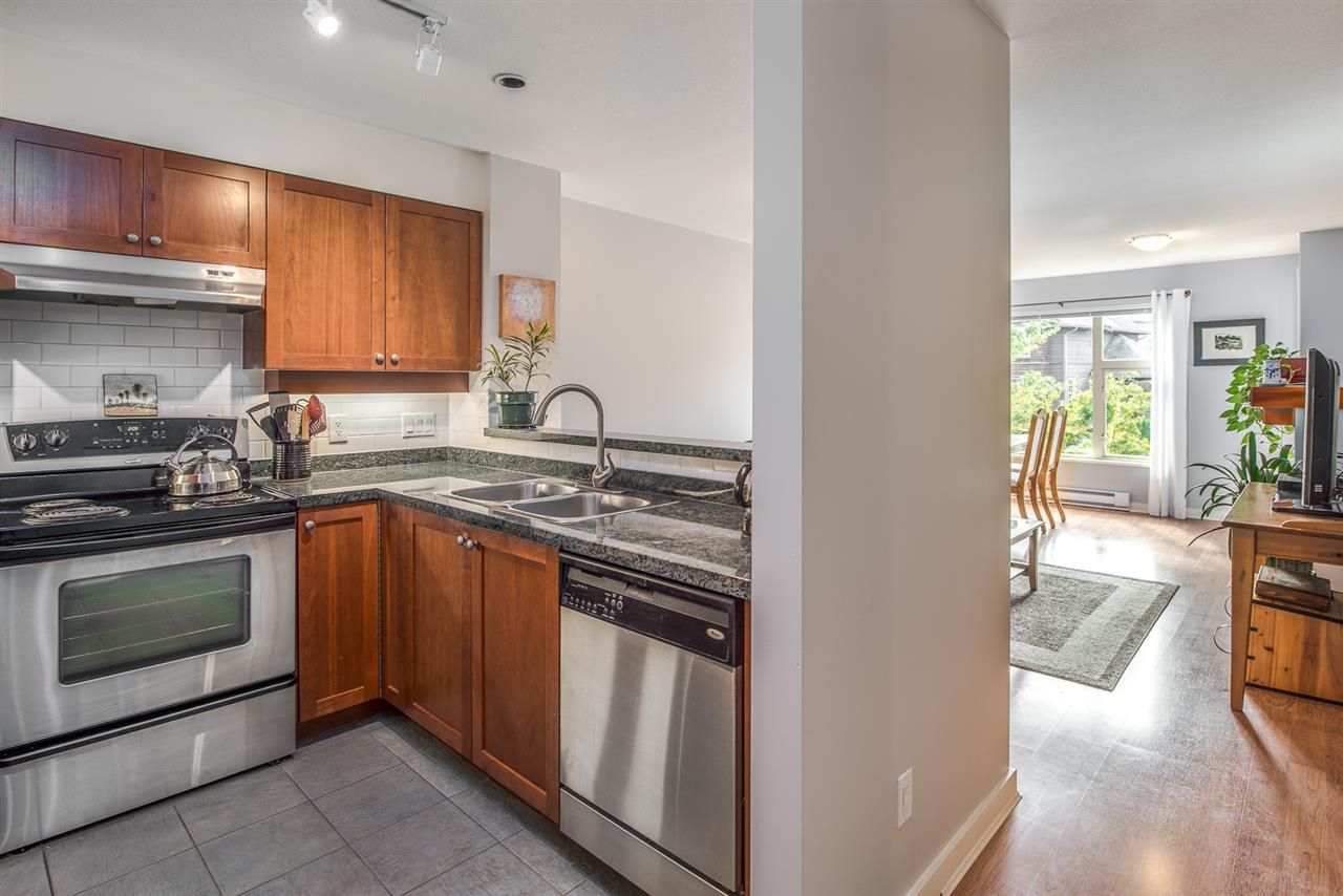 """Main Photo: 310 675 PARK Crescent in New Westminster: GlenBrooke North Condo for sale in """"WINCHESTER"""" : MLS®# R2215940"""