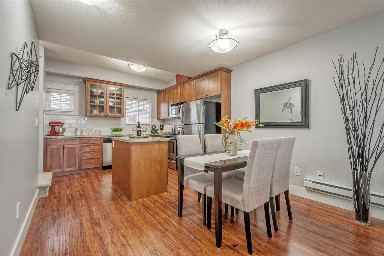 """Photo 7: Photos: 15 6708 ARCOLA Street in Burnaby: Highgate Townhouse for sale in """"HIGHGATE RIDGE"""" (Burnaby South)  : MLS®# R2224034"""