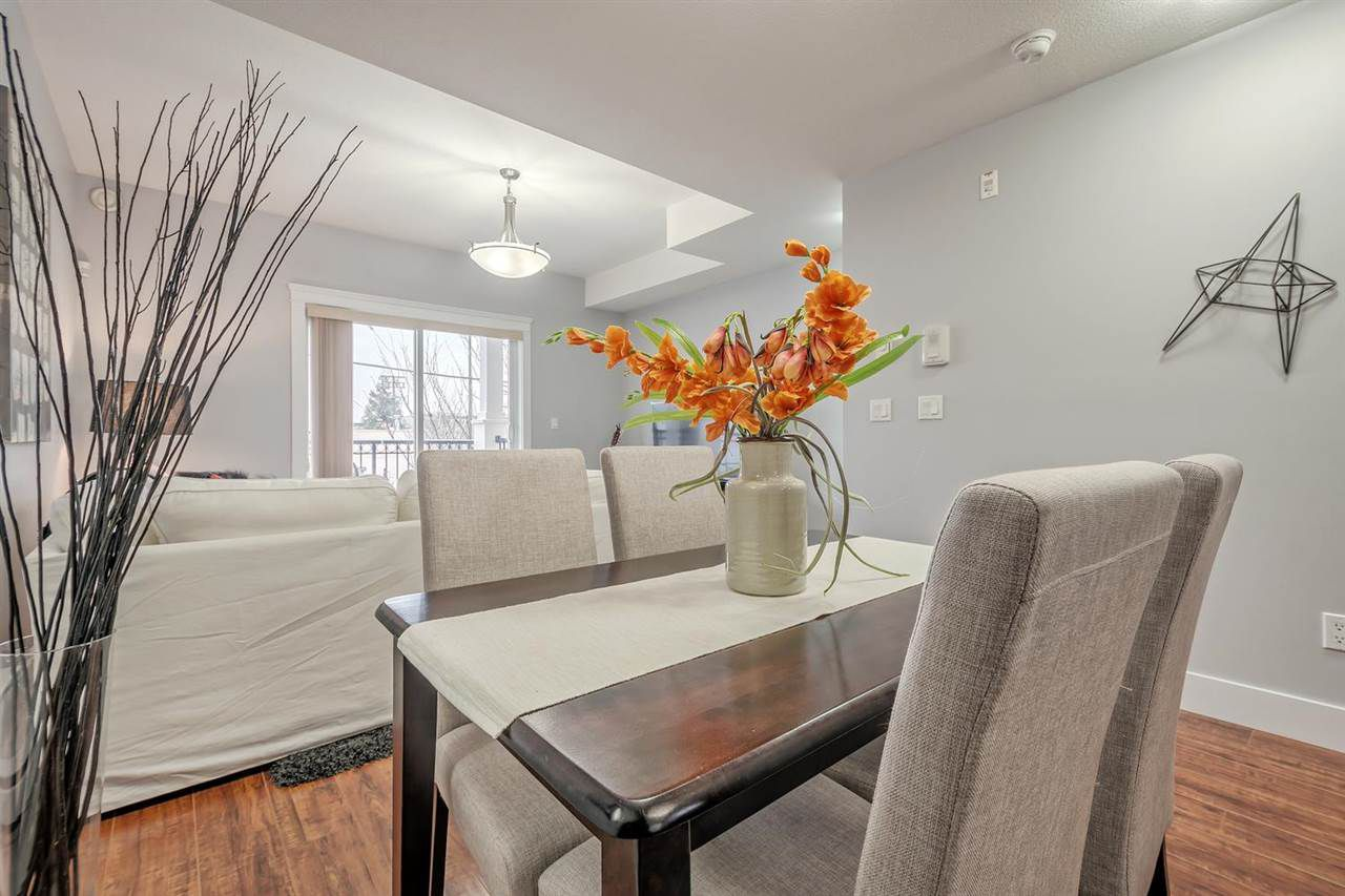 """Photo 5: Photos: 15 6708 ARCOLA Street in Burnaby: Highgate Townhouse for sale in """"HIGHGATE RIDGE"""" (Burnaby South)  : MLS®# R2224034"""
